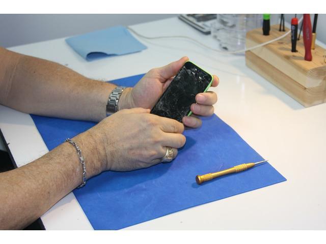 Smart Phones Screen Replacement