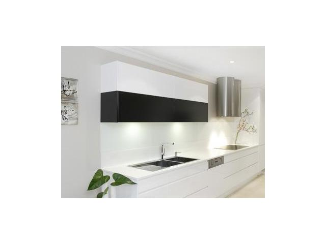 Glass Splashback Specialist, we measure, make and install.  Custom made, endless options. Trust in us for a quality product to enhance your home or office.  Free Quotes
