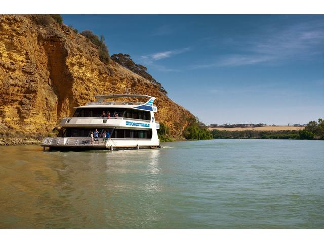 Houseboating on the Murray River, South Australia www.southaustralia.co.nz