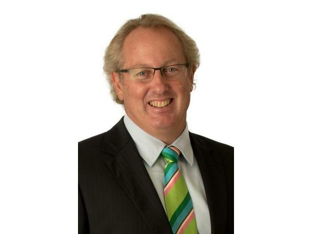 Finlay Abbot - Professional and Friendly