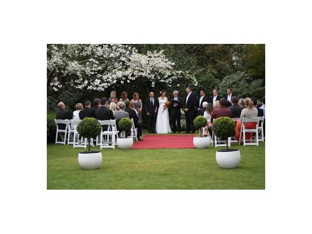 Garden wedding ceremony Kate Sheppard House