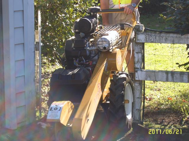 Our powerful 2 wheeled stump grinder is perfect for stumps in backyards through narrow gates