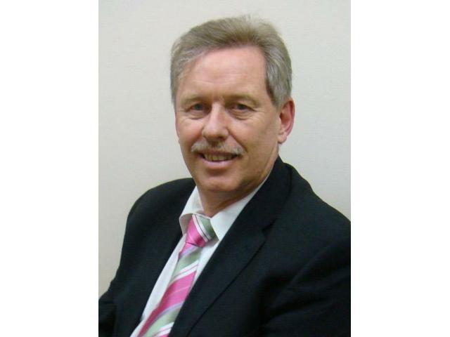 Steve Evans, Maxillofacial & Oral Surgeon