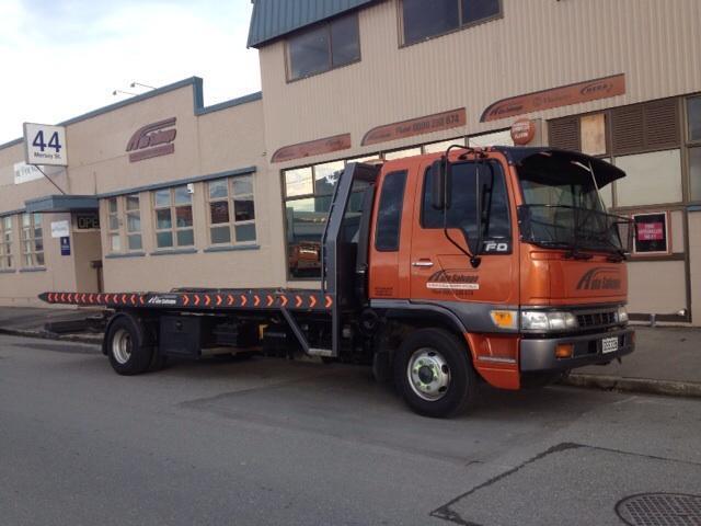 Auto Rescue Tow Truck
