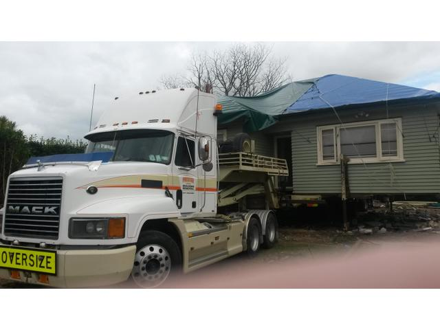 Prestige Building Removal Truck with House