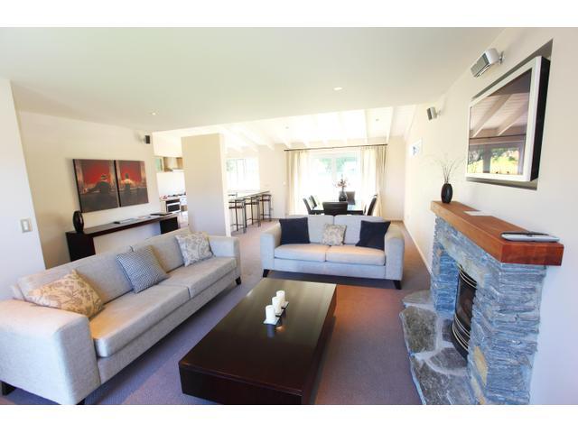 Lounge area of an Arrowfield Luxury Apartment in Arrowtown