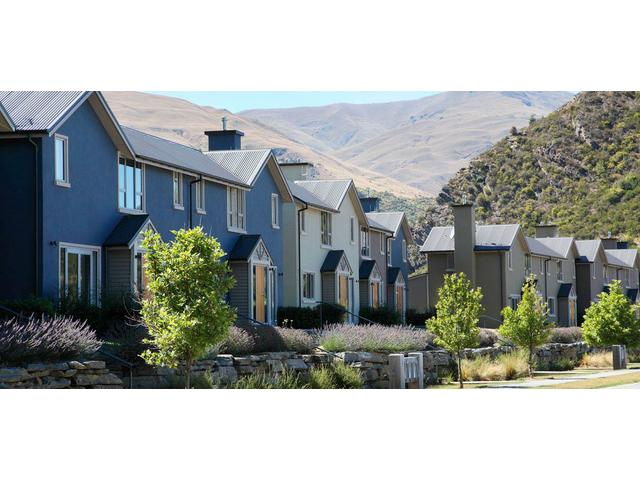 Exterior view of Arrowfield Apartments in Arrowtown