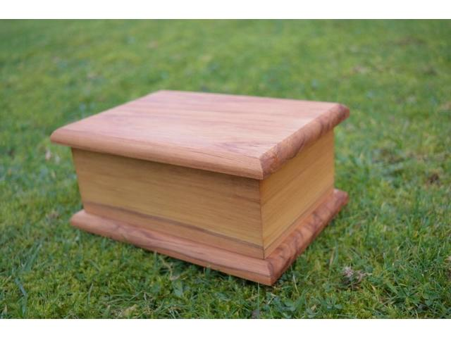 Traditional Rimu urn, beautiful and timeless for your pet