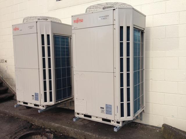 FUJITSU 3 phase - Large capacity Condesning units installation