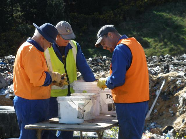Waste analysis at Landfill