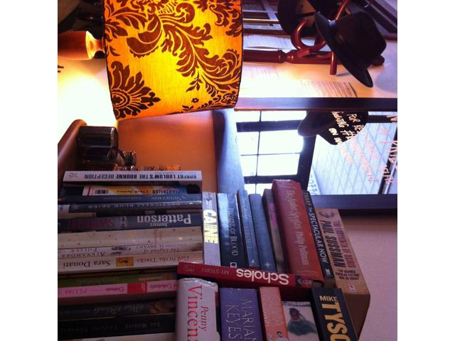 Great spot in the city. Fab bookcase and a great little vibe. Nice and close to sky city too.