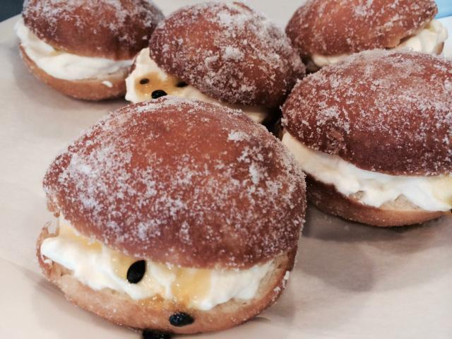 Passionfruit donuts