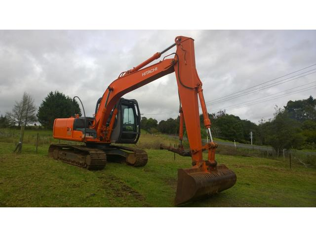 Hitachi Zaxis 120 13.5 ton. Long reach dipper arm.