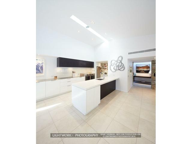 Classic timless kitchen by Ingrid Geldof Design