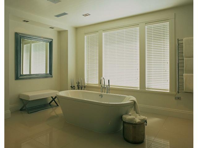 Award winning bathroom by Ingrid Geldof Design